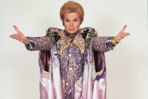 Mucho_Mucho_Amor__The_Legend_of_Walter_Mercado_00_29_38_05_RC