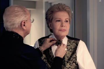Mucho_Mucho_Amor__The_Legend_of_Walter_Mercado_01_23_14_07_RC